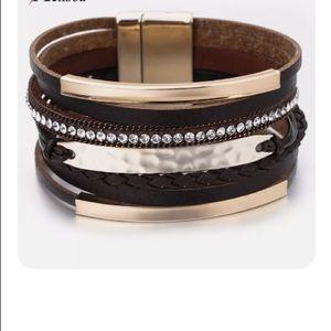 Jewelry - Stylish 8 Layered Black/Gold Magnet Clasp Bracelet